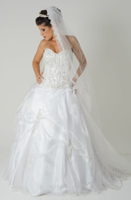 Locação de Roupas para Casamentos no Grajau - Aluguel de Vestidos de Festa para Madrinhas