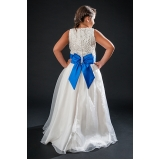 vestido de daminha bordado com perola Jaguaré